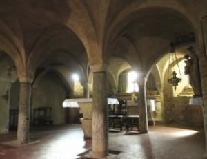 La cripta romanica di Santo Stefano