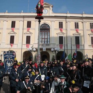 I Giovani in piazza -